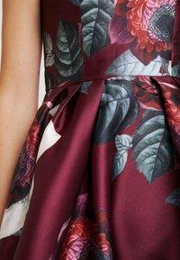 Chi Chi London - KARYA DRESS - Sukienka koktajlowa - burgundy - 7