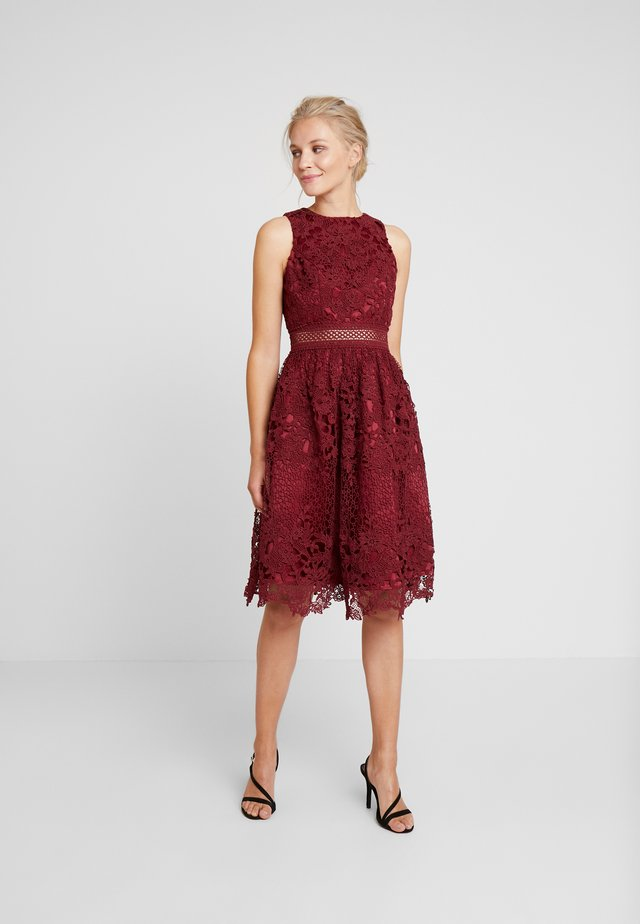 VERSILLA DRESS - Cocktailklänning - burgundy