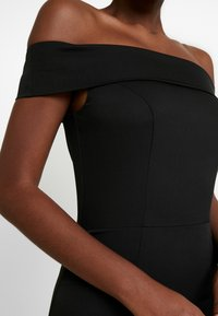 Chi Chi London - CHI CHI SHIRLEY DRESS - Vestido de fiesta - black - 6
