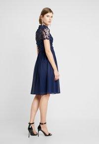 Chi Chi London - VERONA DRESS - Sukienka koktajlowa - navy - 3