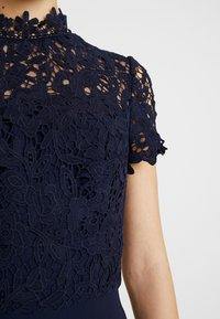 Chi Chi London - CHARISSA DRESS - Vestido de fiesta - navy - 5