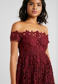 Chi Chi London - LIZANA DRESS - Vestido de cóctel - burgundy - 4