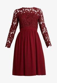 Chi Chi London - LYANA - Sukienka koktajlowa - burgundy - 5