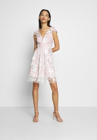 Chi Chi London - AUBRIE DRESS - Cocktailjurk - mink - 1