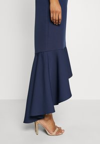 Chi Chi London - BRISTLEY DRESS - Abito da sera - navy - 6