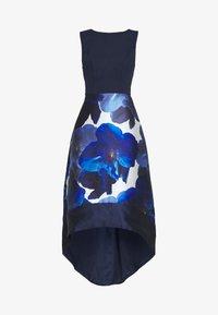 Chi Chi London - BRAY DRESS - Společenské šaty - navy - 4
