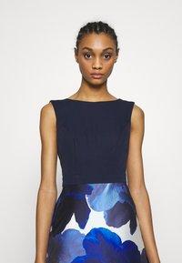 Chi Chi London - BRAY DRESS - Společenské šaty - navy - 3