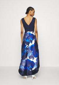 Chi Chi London - BRAY DRESS - Společenské šaty - navy - 2