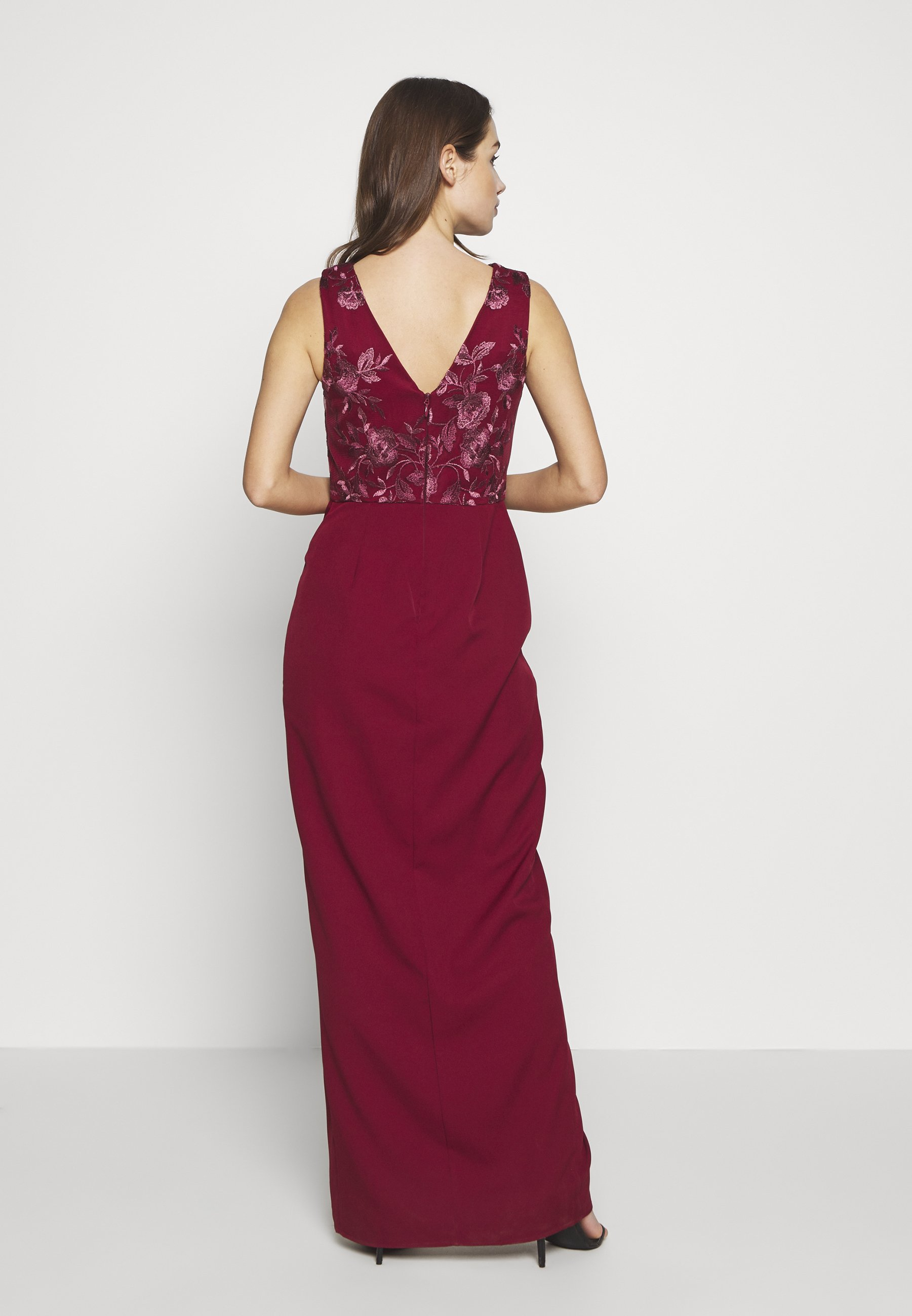 Chi Chi London THALIA DRESS - Abito da sera - burgundy