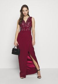 Chi Chi London - THALIA DRESS - Vestido de fiesta - burgundy - 1