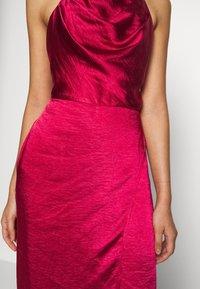 Chi Chi London - CHRYSTA DRESS - Galajurk - burgundy - 6