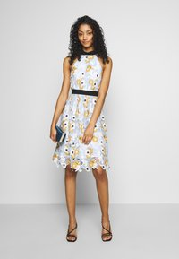 Chi Chi London - CHESTER DRESS - Cocktailjurk - blue