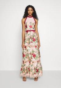 Chi Chi London - ROSALEEN DRESS - Galajurk - pink - 0
