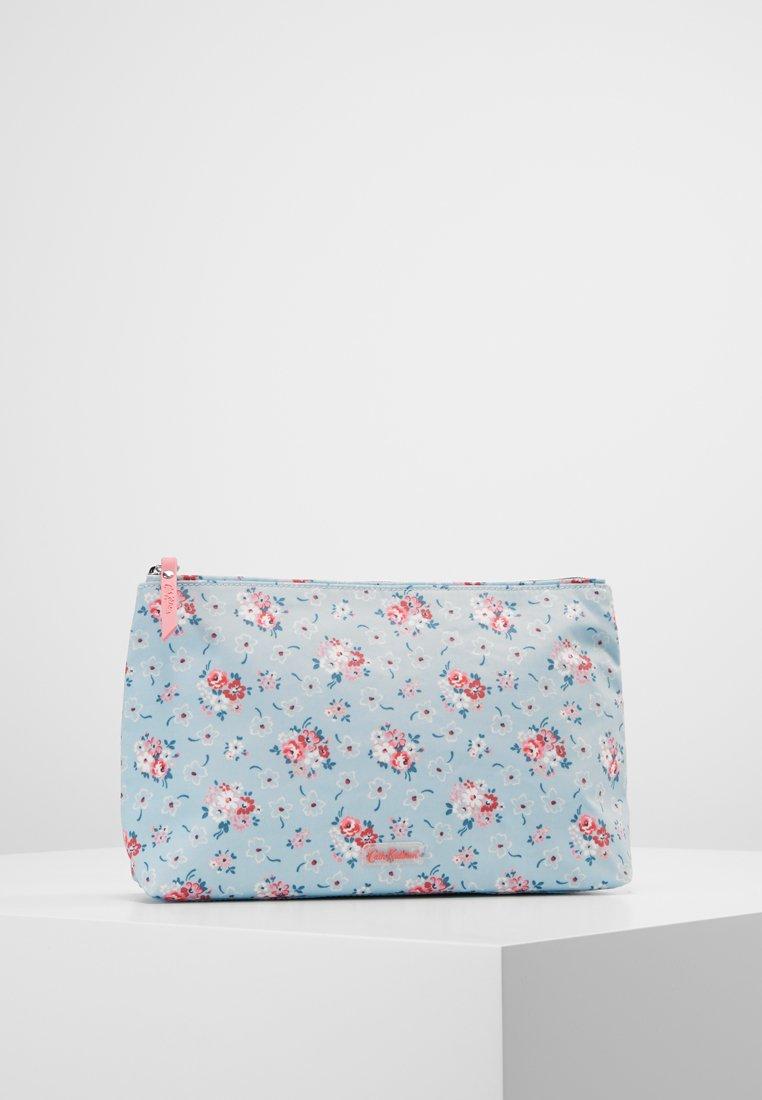 Cath Kidston - MATT ZIP COSMETIC BAG LUCKY BUNCH FRESH BLUE - Kosmetiktasker - fresh blue
