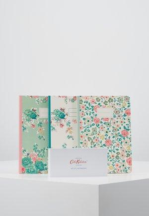 NOTEBOOKS 3 PACK - Accessorio - warm cream