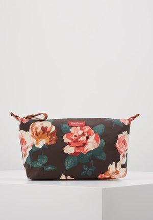 BEAUTY POUCH - Wash bag - chestnut