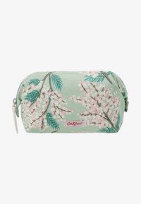 Cath Kidston - FRAME COSMETIC BAG - Kosmetiktasker - fresh green - 1