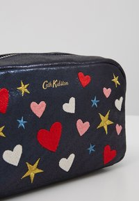 Cath Kidston - EMBROIDERED BOX COSMETIC BAG - Kosmetiktasche - navy - 2