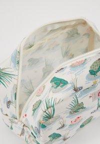 Cath Kidston - BOX COSMETIC BAG - Kosmetiktasche - warm cream - 0