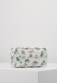 Cath Kidston - BOX COSMETIC BAG - Kosmetiktasche - warm cream - 1