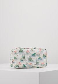 Cath Kidston - BOX COSMETIC BAG - Kosmetiktasche - warm cream - 4