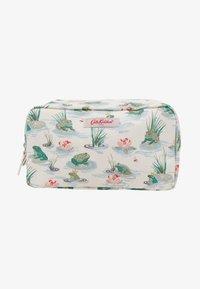 Cath Kidston - BOX COSMETIC BAG - Kosmetiktasche - warm cream - 2