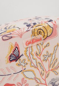 Cath Kidston - CLASSIC BOX COSMETIC BAG - Kosmetiktasche - blush - 2