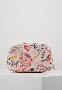 Cath Kidston - CLASSIC BOX COSMETIC BAG - Kosmetiktasche - blush - 3