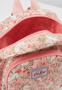 Cath Kidston - MINI JUMPING BUNNIES - Reppu - light pink - 4