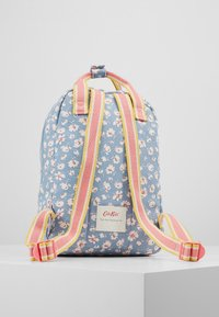 Cath Kidston - MED BACKPACK WASHED DITSY - Reppu - washed ditsy ladybird - 3