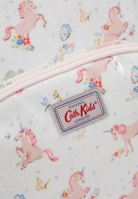 Cath Kidston - KIDS CLASSIC LARGE WITH POCKET - Tagesrucksack - white/light pink - 2