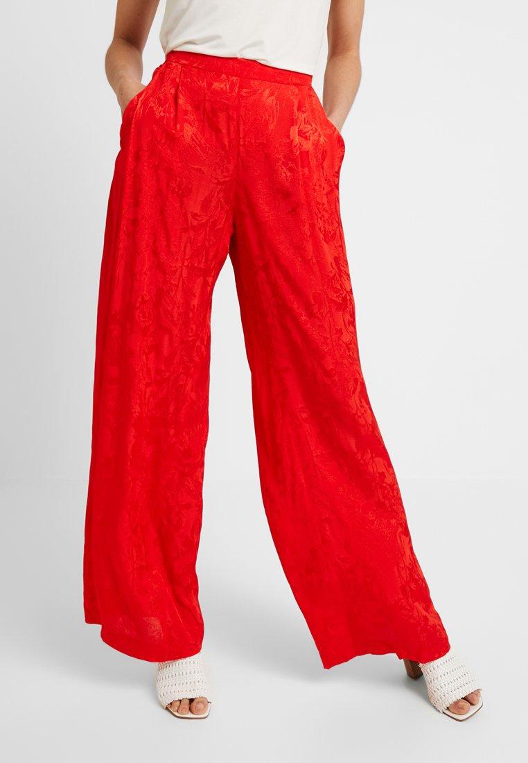 Cortefiel - WIDE LEG TROUSERS - Spodnie materiałowe - reds