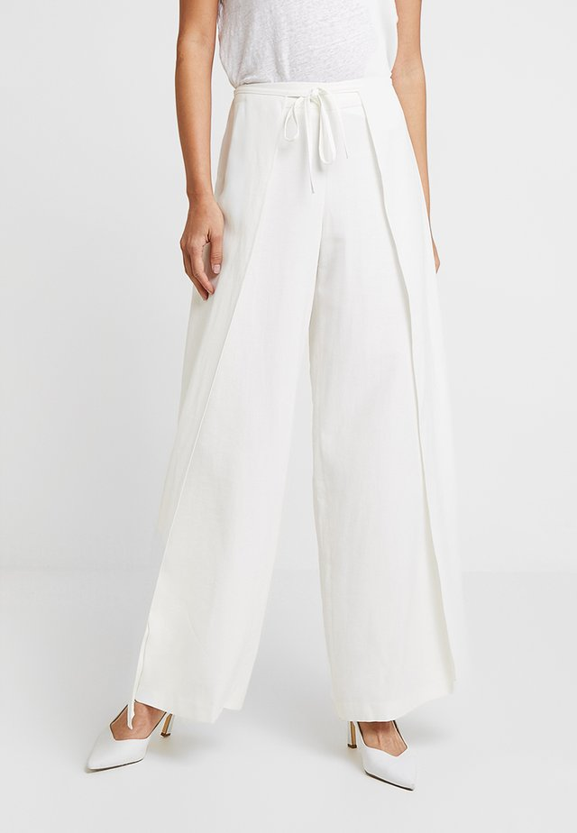 WIDE LEG TROUSERS - Pantalones - white
