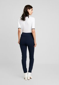 Cortefiel - BASIC WITH BUTTONS - Leggings - marine blue - 2