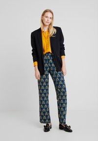 Cortefiel - PRINTED PAPERBAG STRAIGHT TROUSERS - Trousers - teal - 2
