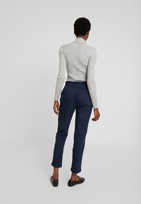 Cortefiel - TEXTURED PAPERBAG FORMAL TROUSERS - Pantalones - blues - 2