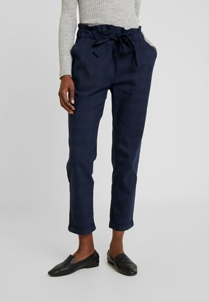 TEXTURED PAPERBAG FORMAL TROUSERS - Pantalones - blues
