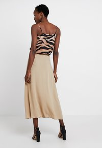 Cortefiel - LONG SKIRT WITH FRONT BUTTONS - Gonna lunga - beige - 2