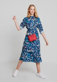 Cortefiel - PRINTED STYLE DRESS WITH BELT - Vestido camisero - several - 1