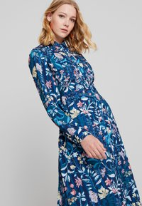 Cortefiel - PRINTED STYLE DRESS WITH BELT - Vestido camisero - several - 3