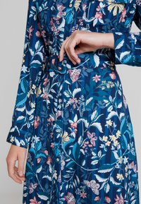 Cortefiel - PRINTED STYLE DRESS WITH BELT - Vestido camisero - several - 5