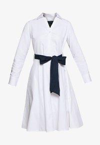 Cortefiel - POPLIN SHIRT STYLE DRESS WITH CONTRAST BELT - Kjole - white - 3