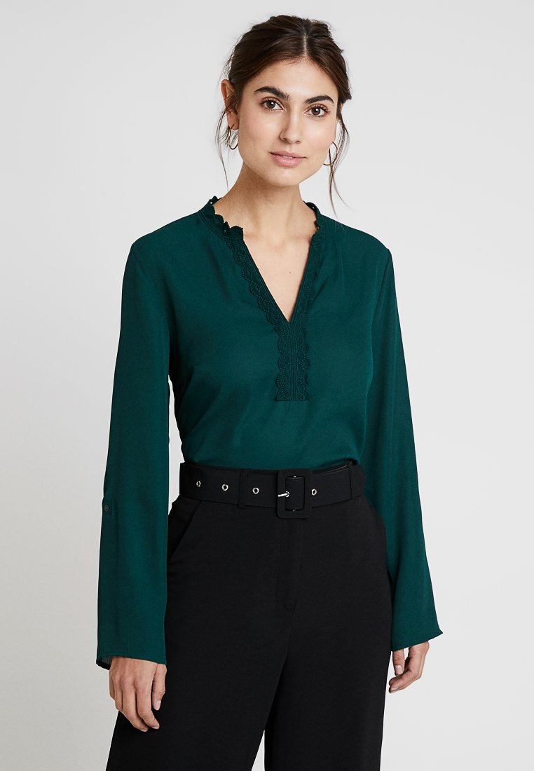 Cortefiel - V-NECK AND RECYCLED - Bluse - greens