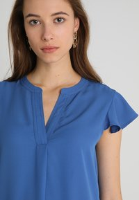 Cortefiel - BLOUSE WITH FRILLED SLEEVES - Blusa - blues - 3