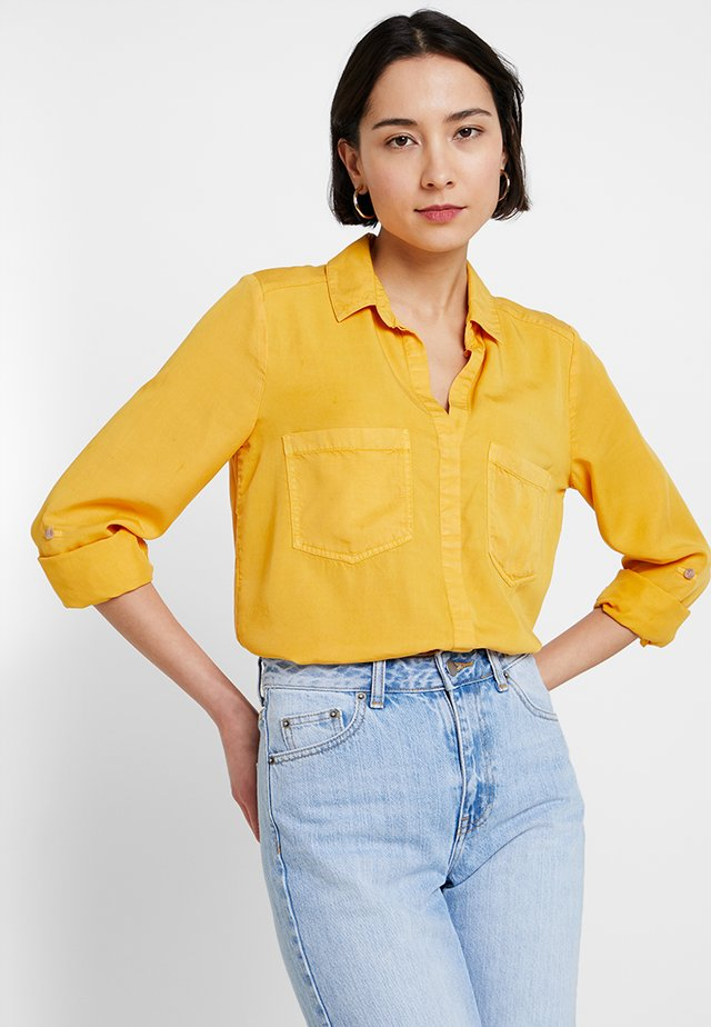 FRONT KNOT DETAIL - Skjorte - yellows