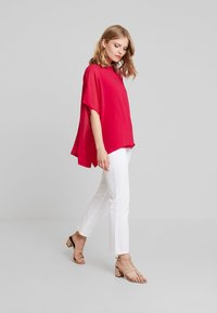 Cortefiel - CREW NECK  AND OVERSIZED - Bluser - pink - 1