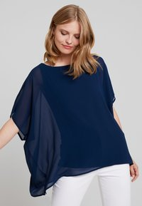 Cortefiel - CREW NECK  AND OVERSIZED - Blusa - marine blue - 3