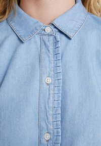 Cortefiel - BASIC WITH FRILLED PIPING - Camisa - blues - 6