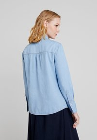 Cortefiel - BASIC WITH FRILLED PIPING - Camisa - blues - 2