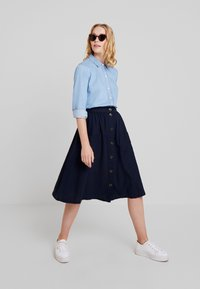 Cortefiel - BASIC WITH FRILLED PIPING - Camisa - blues - 1